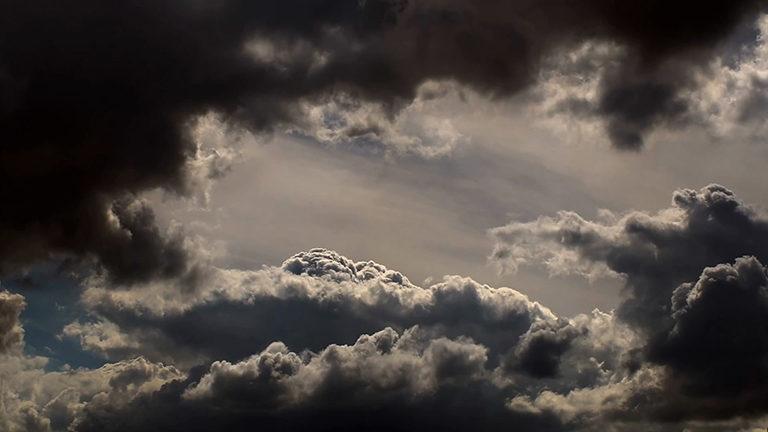 史诗般震撼的乌云云团动态视频素材